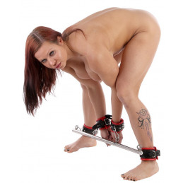 Spreader Bar With Cuffs
